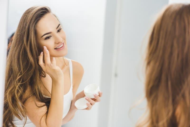 Обветривание лица - как защитить кожу?