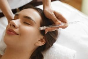 Газожидкостный пилинг: реальная помощь или уловка косметологов?