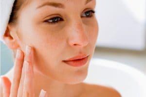Уход за комбинированной кожей: умывание, очищение, увлажнение и питание кожи в домашних условиях
