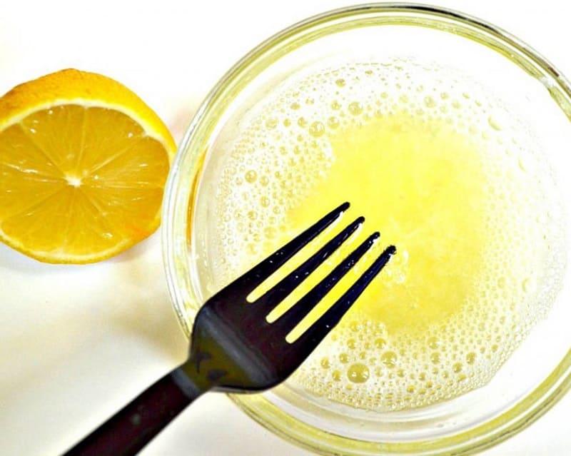 Маска из лимона и белка куриного яйца
