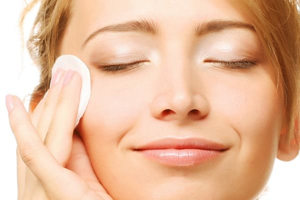 Тонизирование кожи лица - важный процесс ухода за кожей