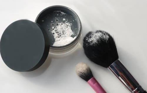 Как правильно пользоваться рассыпчатой пудрой