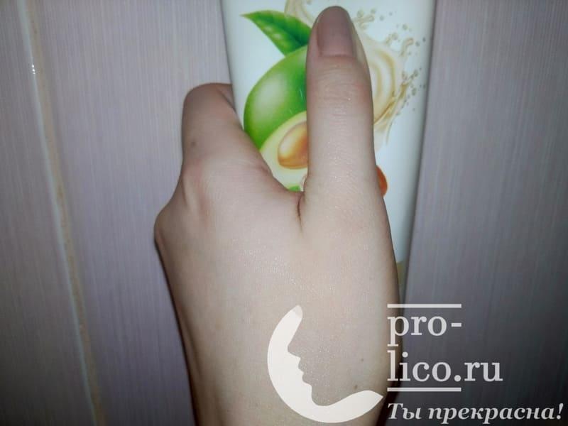 Крем для рук и тела с маслами ши и авокадо из магазина Светофор — мой отзыв, плюсы и минусы, разбор состава