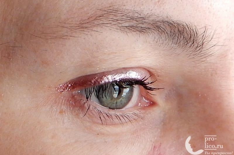 Мой отзыв о сияющей цветной подводке для глаз Paradiso от Relouis