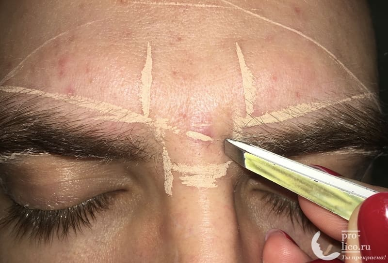 Как провести мужскую коррекцию бровей?