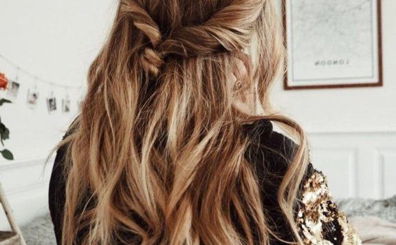 Спросила у опытного мастера рассказать про лучшие краски для волос, по ее мнению: делюсь хорошими красками против седины