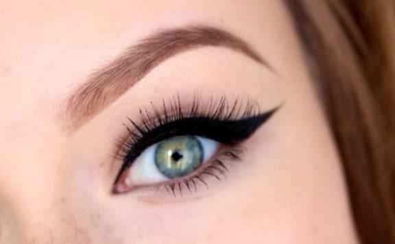 Виды стрелок, которые увеличивают глаза, омолаживают взгляд и делают макияж аккуратным