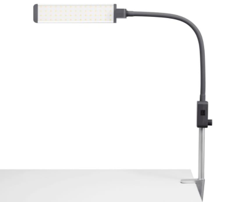 Какую лампу выбрать для наращивания ресниц