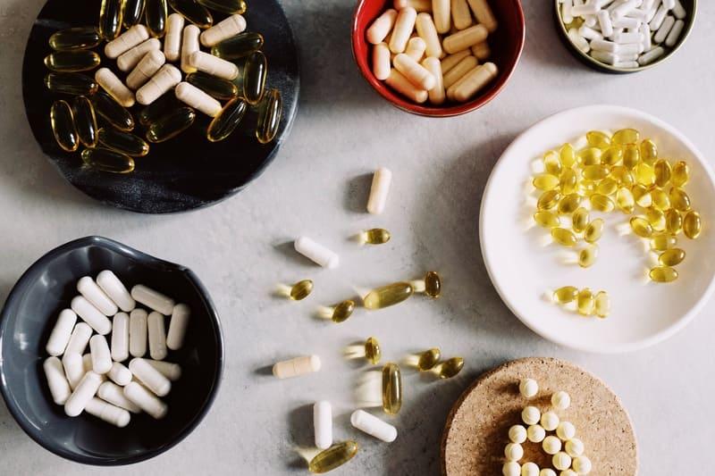 Разбираемся, что влияет на цены витаминов и минералов?