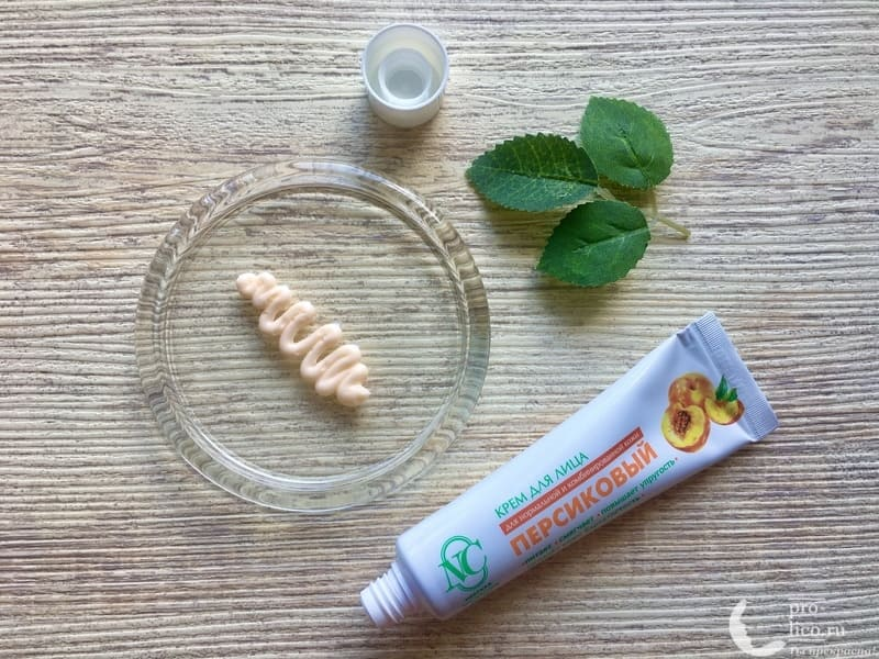 Крем для лица «Невская косметика Персиковый» для сухой и чувствительной кожи консистенция