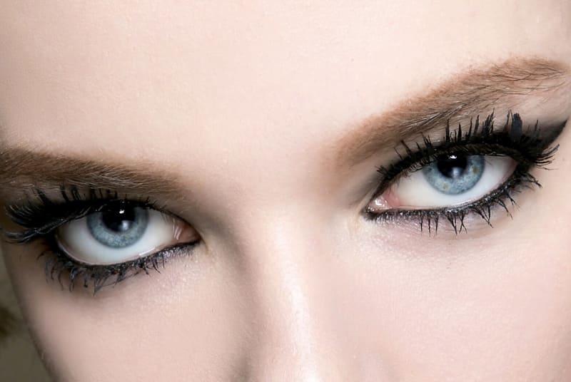 11 советов по подводке для голубых глаз