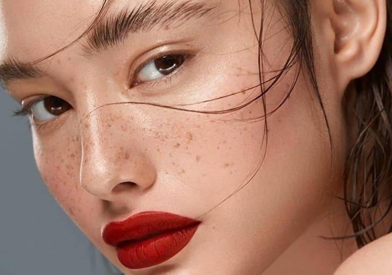 7 отличных альтернатив средству для снятия макияжа