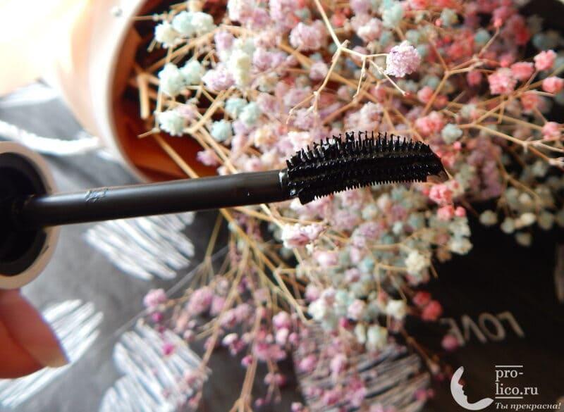 Тушь для ресниц Lash Sensational веерный объем от Maybelline щеточка