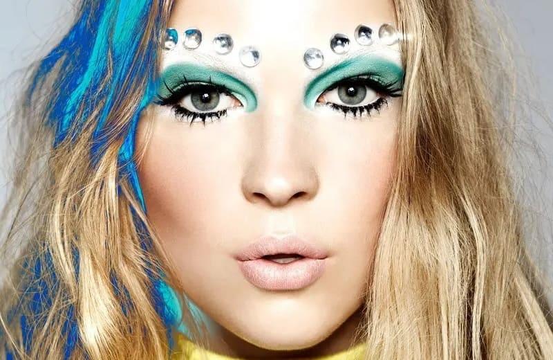 8 отличных советов по макияжу, которые помогут вам выглядеть моложе