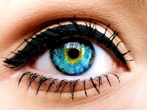7 потрясающих стилей подводки для глаз