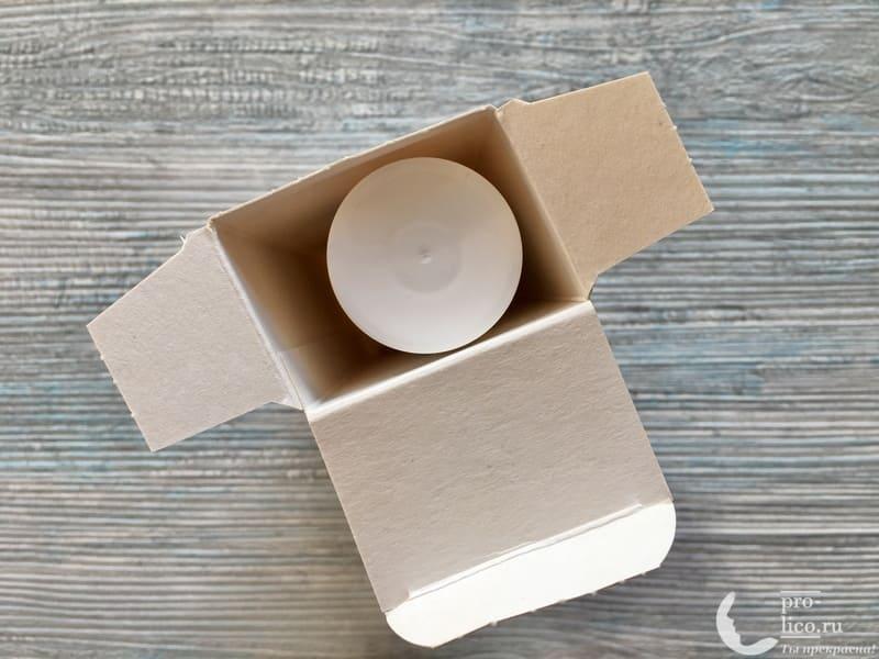 Крем для лица Caviale «Гиалуроновый» открываем коробку